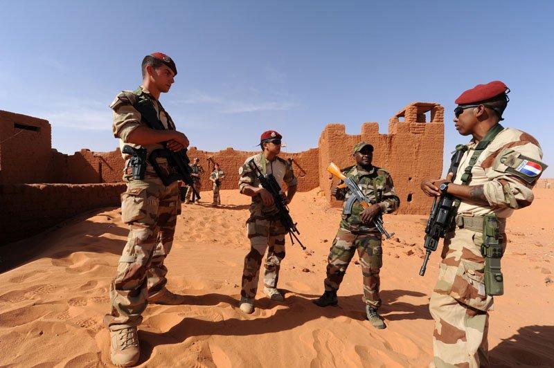 تقرير برلماني فرنسي يوصي باستمرار القوة الفرنسية في الساحل