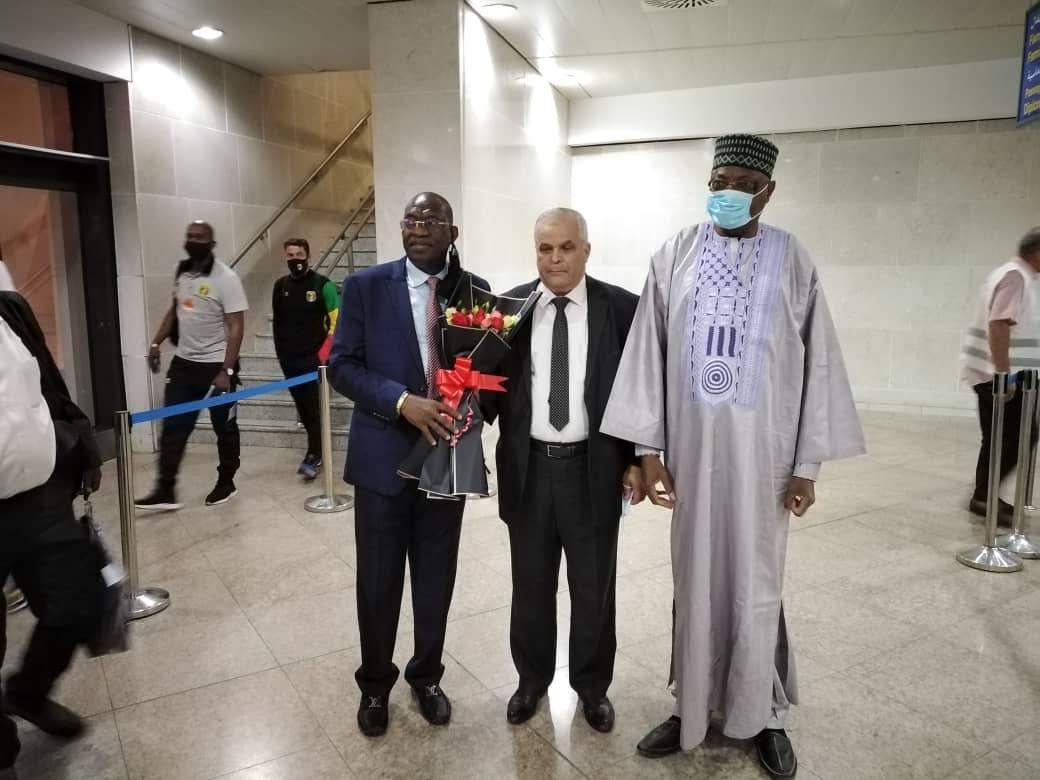 وصول وفدَي منتخبَي موريتانيا ومالي إلى الجزائر