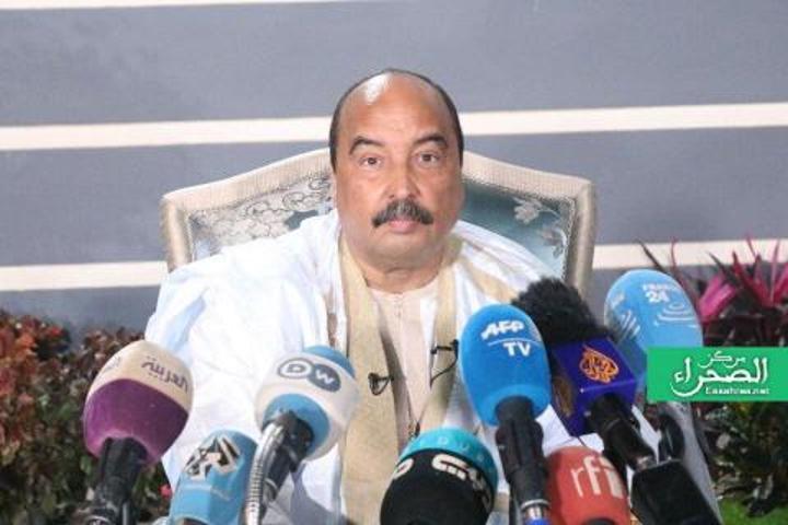 ولد عبد العزيز: النظام أبلغ إدارة الفيس بوك عن انتحالي صفة رئيس سابق