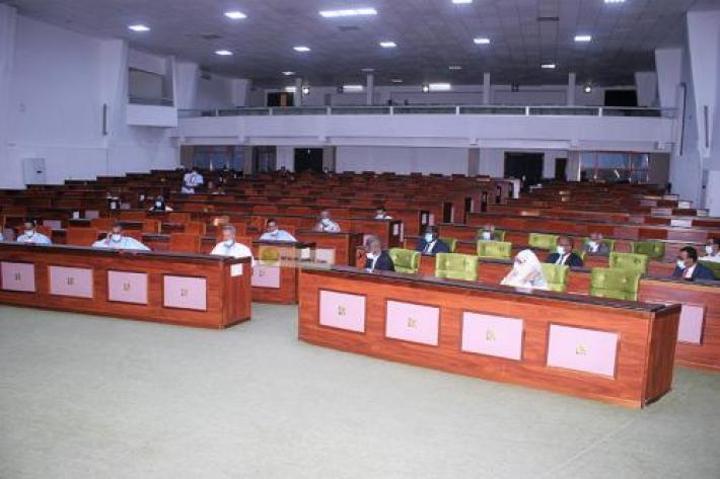 تأجيل نقاش قانون الرموز الوطنية إلى الدورة البرلمانية القادمة