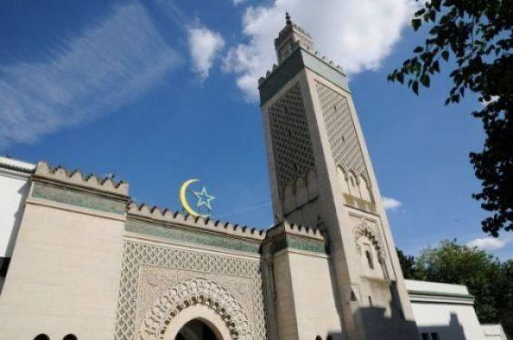 مسجد باريس يدين حملة مقاطعة المنتجات الفرنسية في الدول الإسلامية