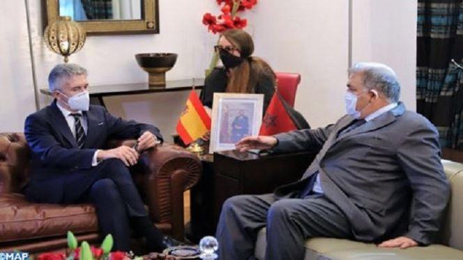 وزير الداخلية الإسباني: التنسيق مع المغرب