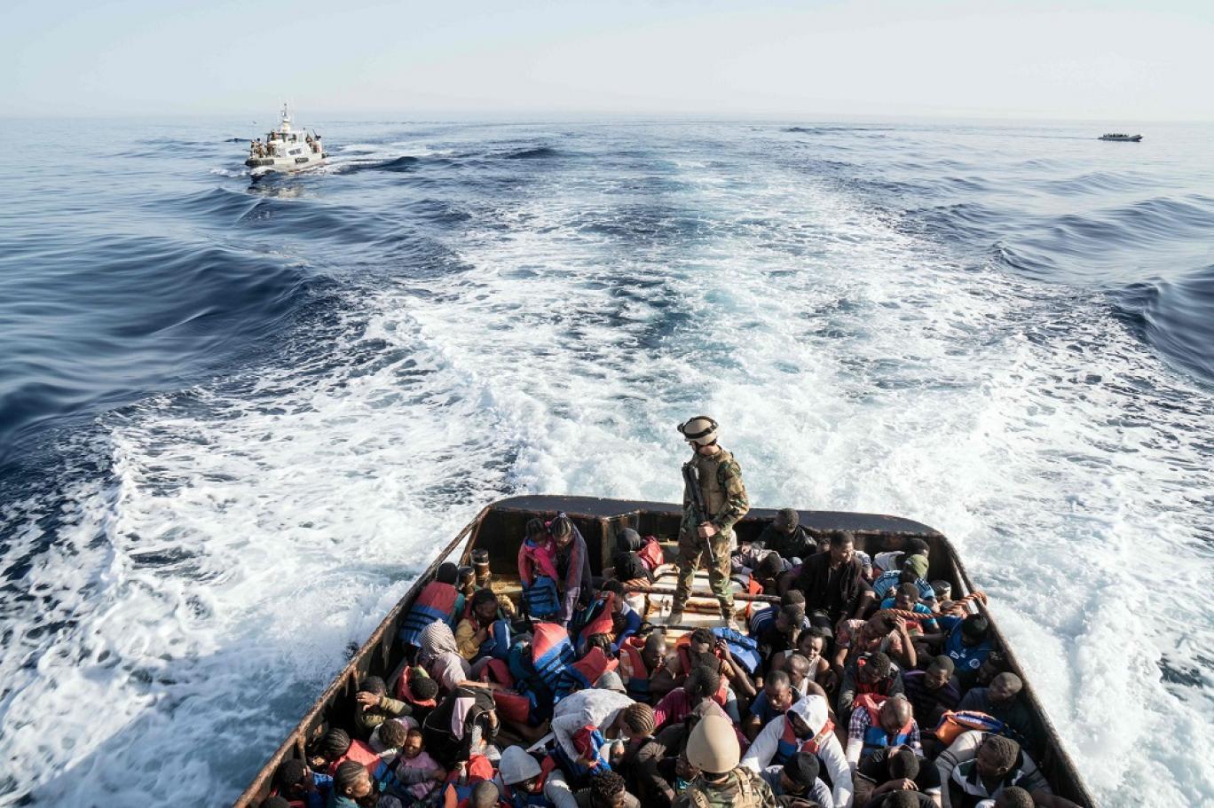 الناظور: البحرية الملكية تقدم المساعدة لـ50 مرشحا للهجرة غير الشرعية