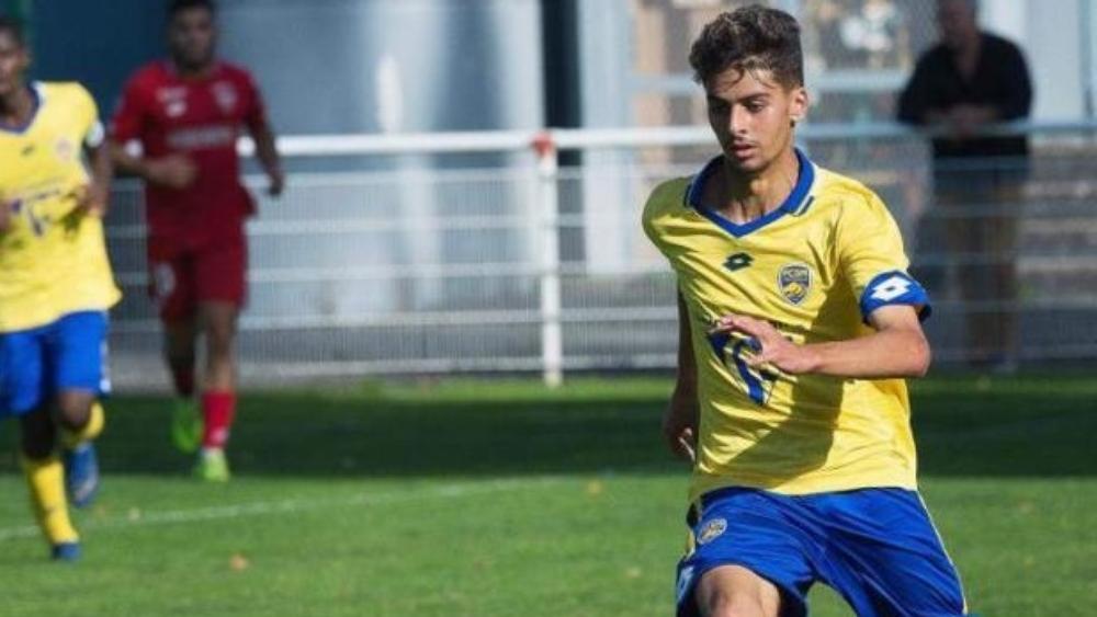 اللاعب سامي فراج يقرر حمل قميص المنتخب الجزائري بدل المنتخب المغربي