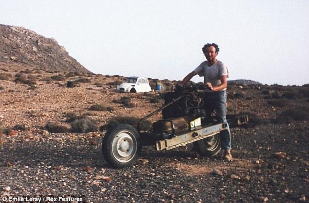 عندما اضطر فرنسي إلى تحويل سيارته إلى دراجة نارية قرب طانطان للنجاة بحياته