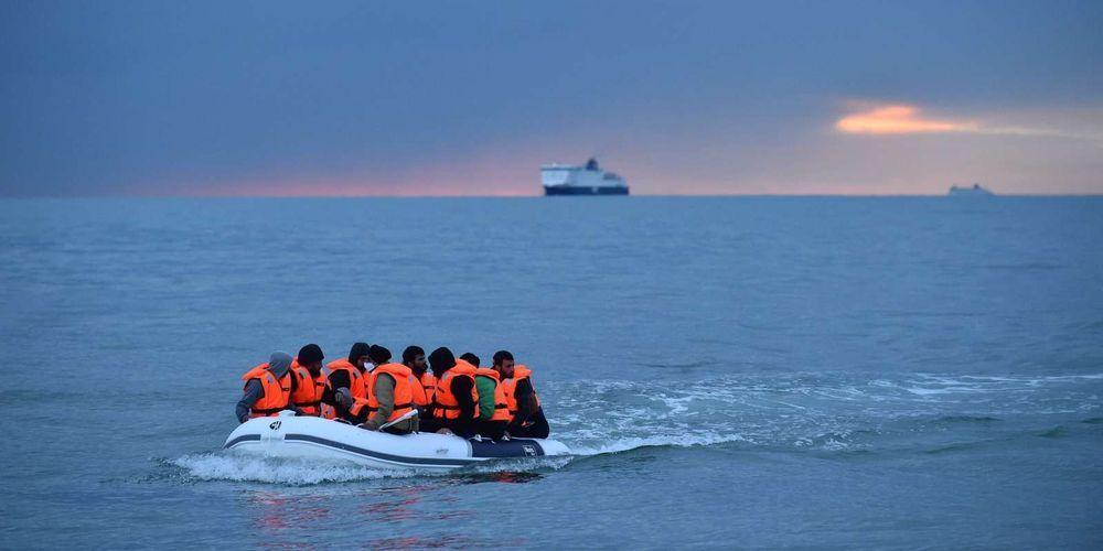 نشطاء من حراك الريف يصلون إلى إسبانيا عبر قوارب الموت