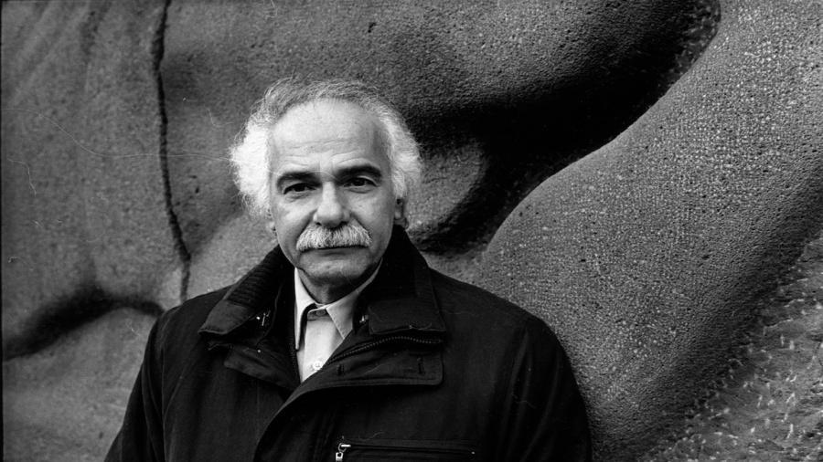 الكاتب والشاعر المغربي عبد اللطيف اللعبي يفوز جائزة روجيه كووالسكي