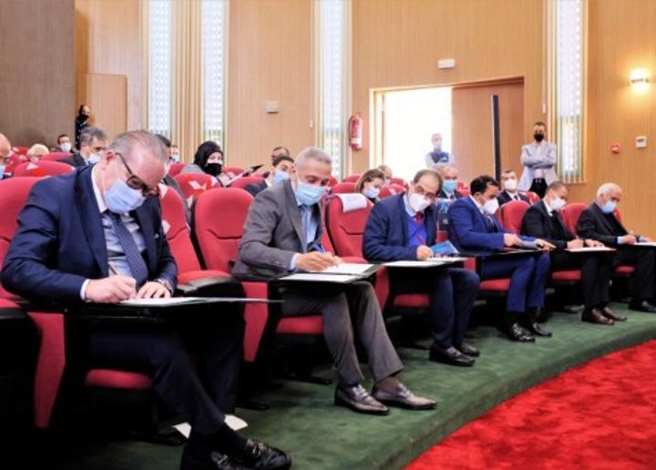 الحكومة تسعى إلى تقليص حجم الواردات.. توقيع 52 اتفاقية لتوفير 7,3 مليار درهم لفائدة المنتوج المحلي