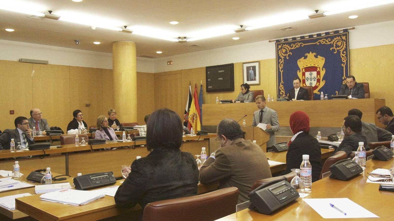 حزب إسباني يطالب بالاعتراف باللغة العربية لسبتة