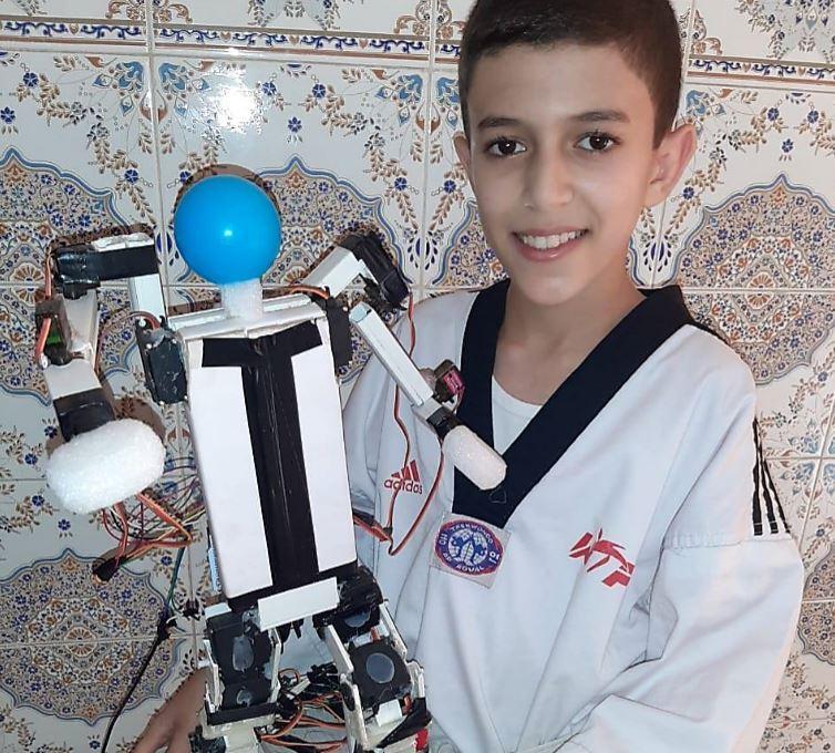 محمد بلال حموتي.. عبقري مغربي عمره 12 سنة شارك في مسابقات دولية للاختراعات