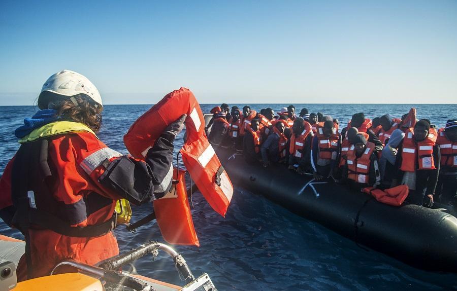 الهجرة غير النظامية: غرق شبان من الجهة الشرقية قبالة السواحل الجزائرية ومطالب للحكومة بخلق بدائل اقتصادية