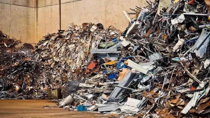 رباح: النفايات المعدنية يمكن أن تشكل فرصة مدرة للثروات