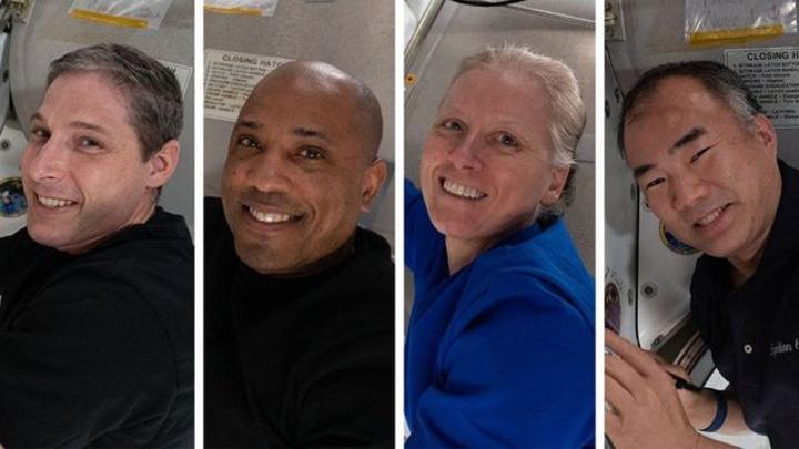 عودة 4 رواد فضاء للأرض في أول عملية هبوط ليلية منذ خمسة عقود