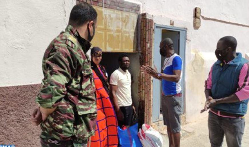 طانطان: استفادة أزيد من 40 أسرة من المهاجرين الأفارقة جنوب الصحراء من بمساعدات غذائية