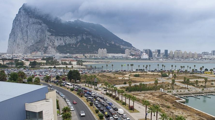 عندما اقترحت بريطانيا تقديم جبل طارق إلى إسبانيا مقابل الحصول على أراض مغربية