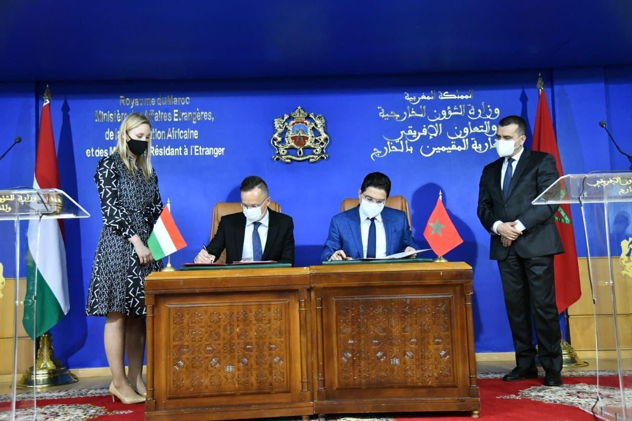 بوريطة يستقبل وزير الخارجية الهنغاري ويوقعان عدد من الاتفاقيات