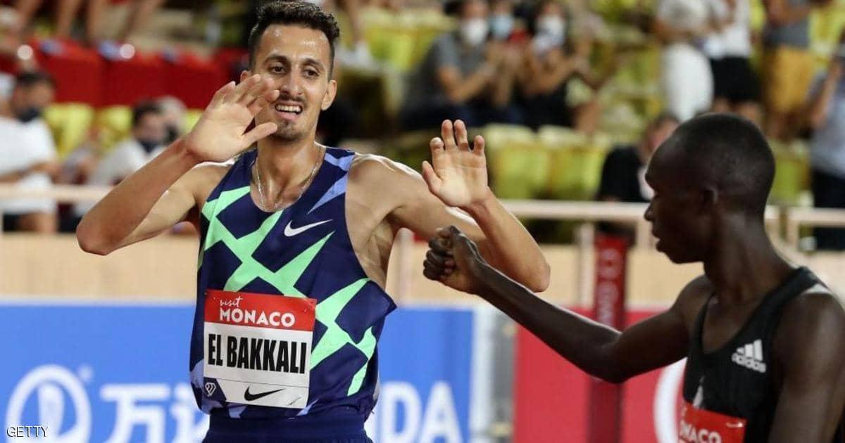 العداء المغربي سفيان البقالي يحقق أسرع توقيت عالمي في سباق 3 آلاف متر موانع