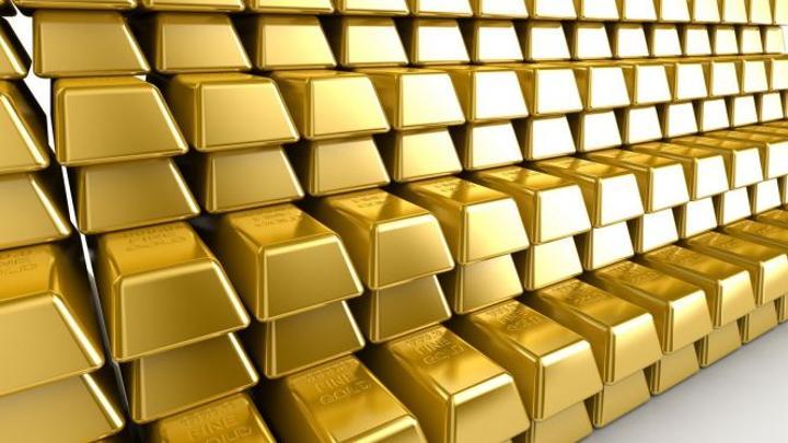 الذهب يصعد ويتجاوز مستوى 1800 دولار