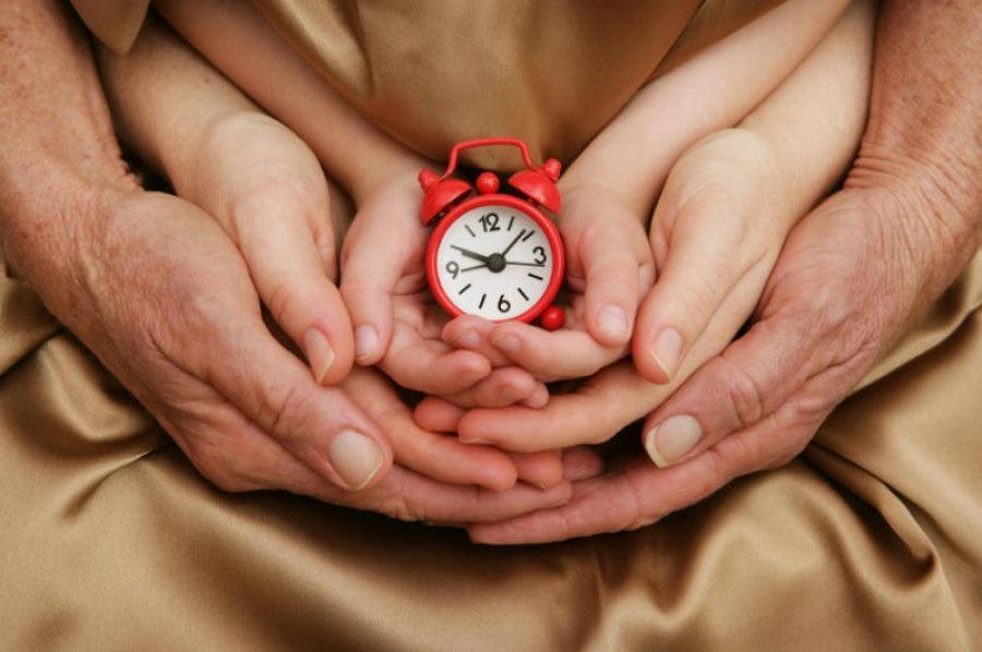 متوسط عمر الإنسان يرتفع... هل يمكن أن يصل إلى عمر 130 عاما؟