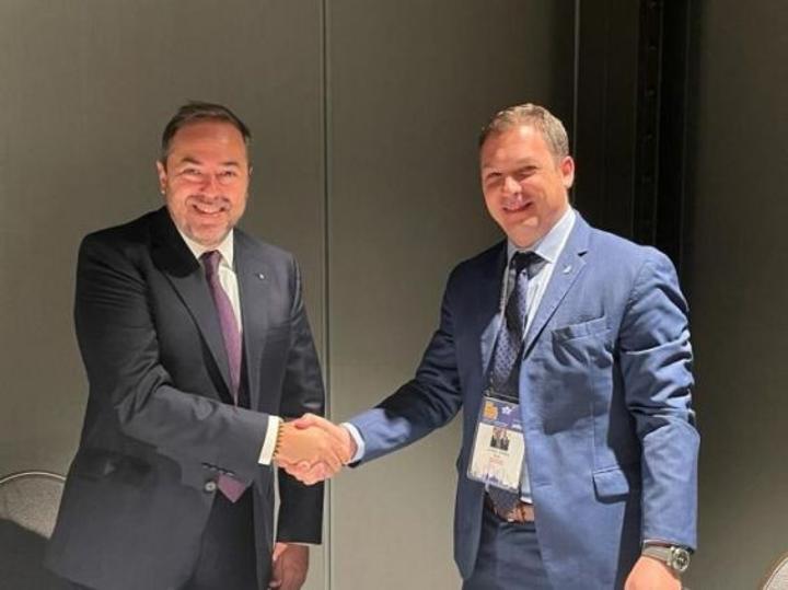 الخطوط الملكية المغربية توقع اتفاق تعاون مع شركة طيران العال الإسرائيلية