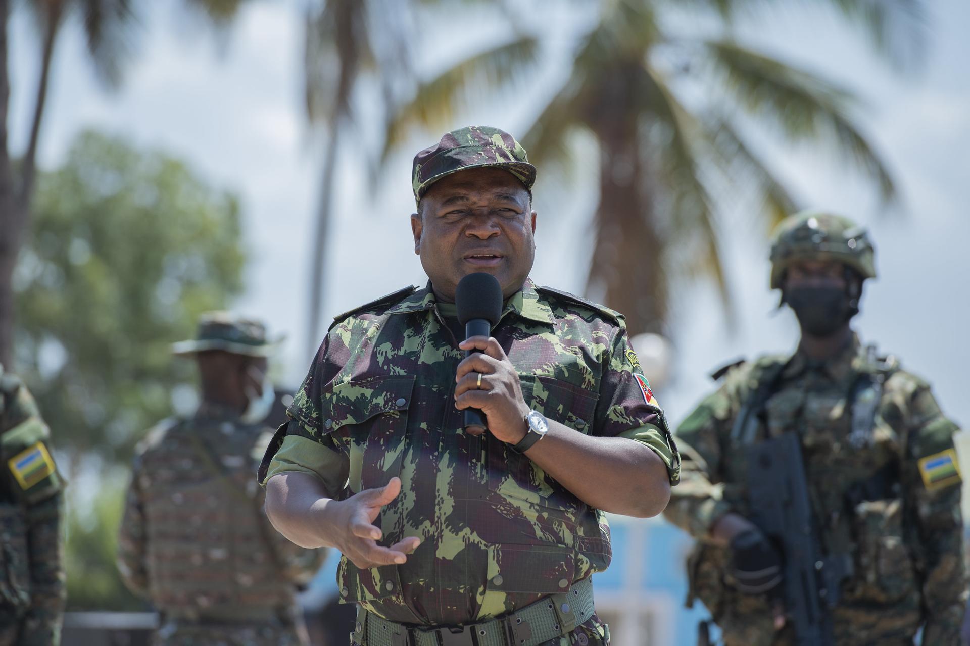 Mozambique: Nyusi commends bravery of Rwandan troops