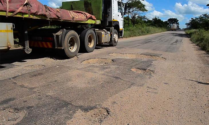 Motorists in Manica complain of being tolled to use dilapidated roads