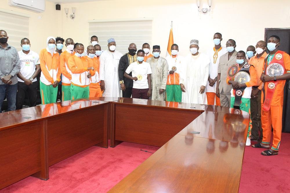 Le Premier Ministre reçoit les athlètes nigériens médaillés de Taekwondo et de boxe