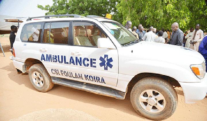 Santé : Le député Soumana Sanda offre une ambulance au CSI Foulan Koira