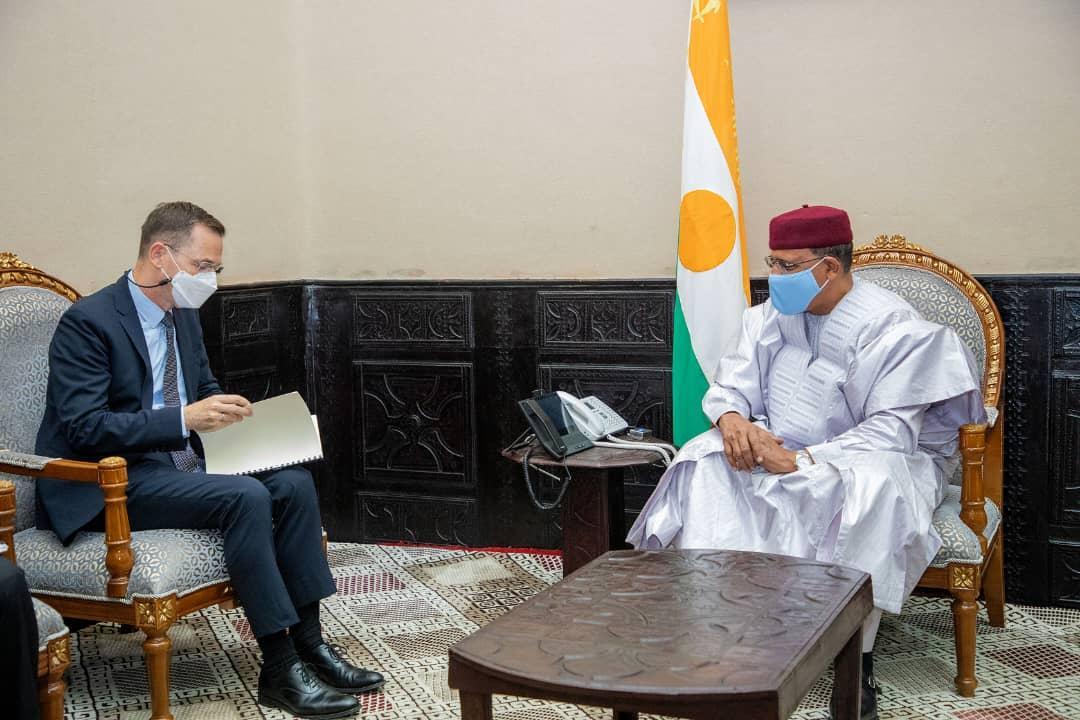Le Président de la République Mohamed Bazoum s'entretient avec le Vice-président pour l'Afrique de la SFI