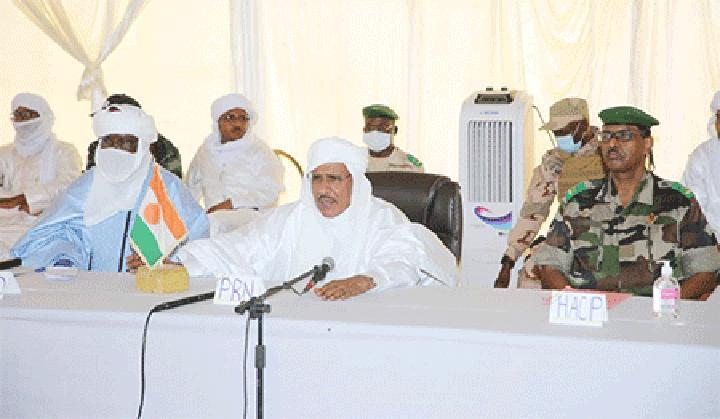 Forum sur la crise du pastoralisme au Niger à Ingall : «Vous ne pouvez pas vivre ici et prospérer si vous n'êtes pas solidaires entre vous, si vous ne vous donnez pas la main, si vous ne cultivez pas la fraternité» a déclaré le Président Mohamed Bazoum