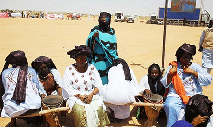 Culture nomade: Le défilé des chameliers et des ânières au rythme du Tendé