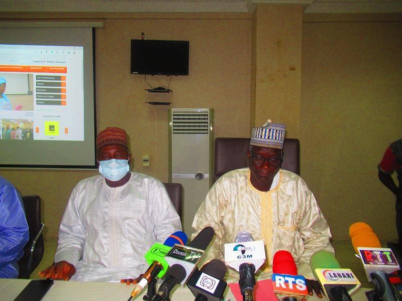 Niger: L'ARCEP organise une journée d'information à l'intention des représentants des opérateurs de téléphonie, de la poste, et des consommateurs sur ses activités