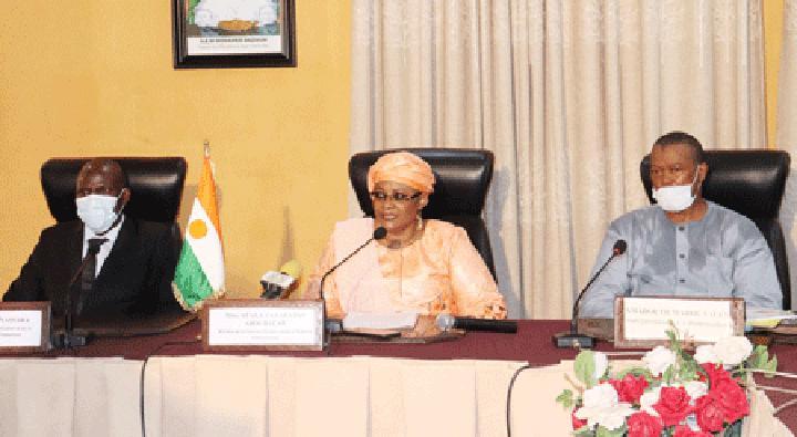 Gouvernance administrative : Echanges sur le rapport thématique commandité par la cellule technique Pôle Gouvernance et Modernisation de l'Etat