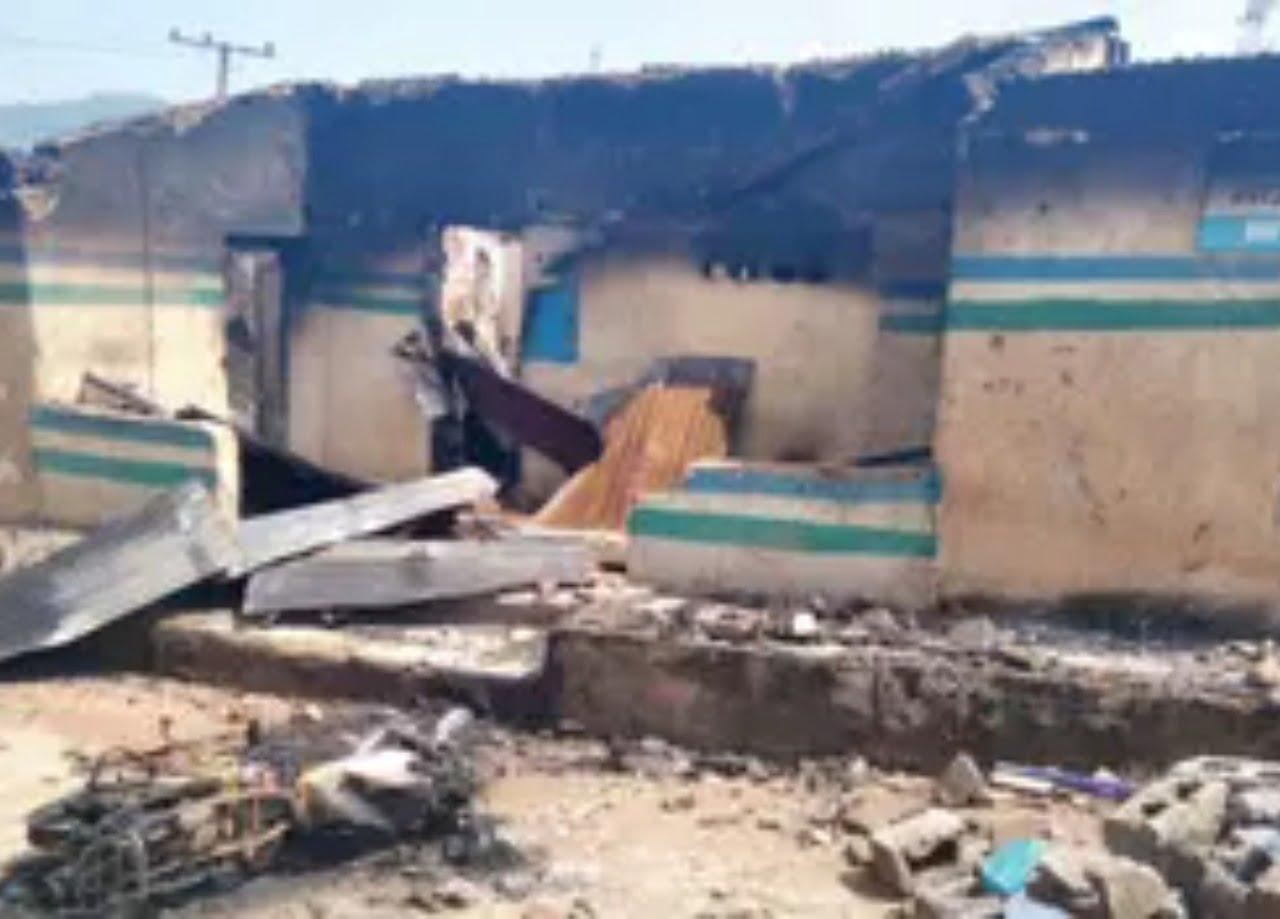 Hoodlums attack Abia police station, kill 2 officers