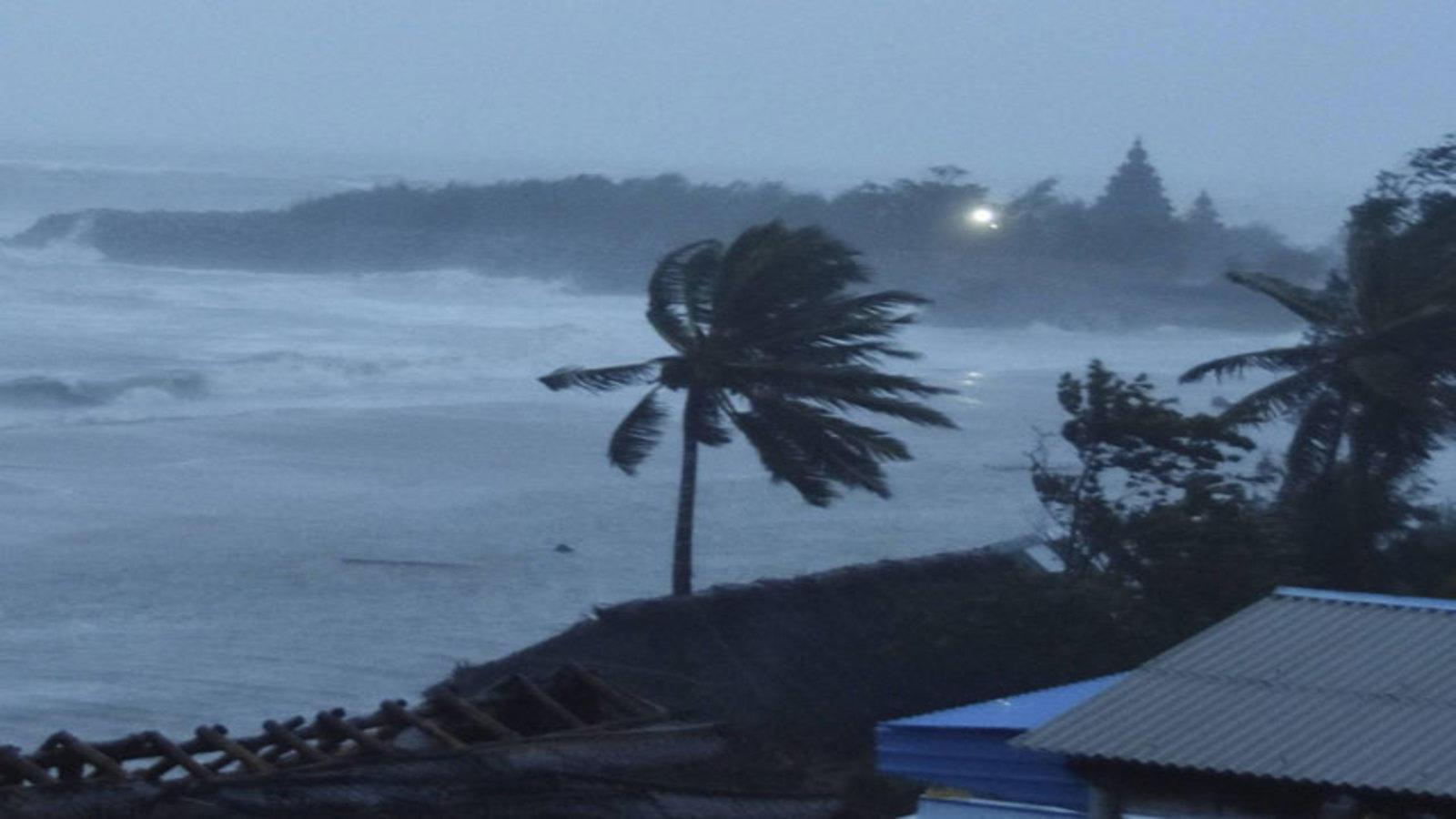 Weatherman warns of more strong winds