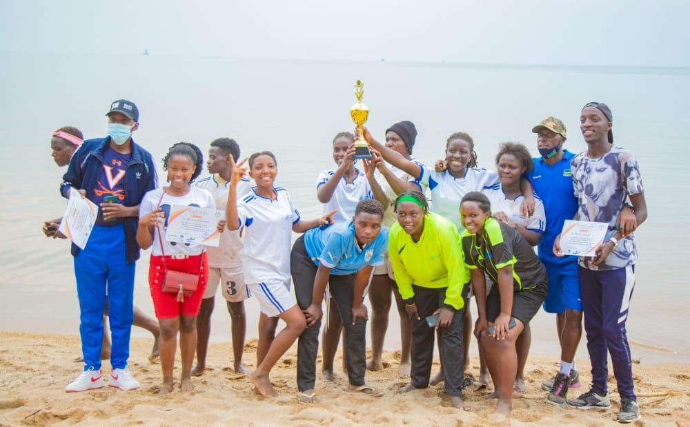 Police reclaim beach handball tourney title