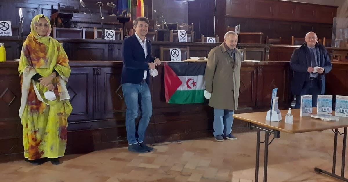 اكبر معالم مدينة نابولي الإيطالية يحتضن حفل توقيع كتاب حول الصحراء الغربية وحالة الاحتلال التي تقسم شعبها
