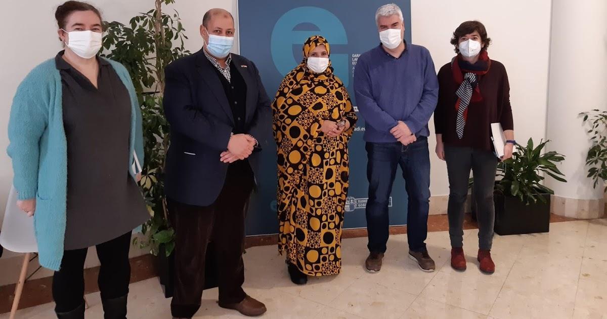 وزيرة التعاون الصحراوية تختتم زيارتها لبلاد الباسك بلقاء رسمي مع الحكومة الباسكية