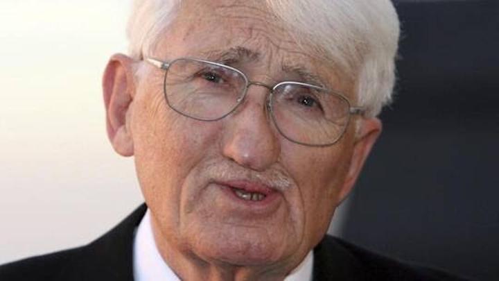 فيلسوف ألماني بارز يرفض تسلم جائزة الشيخ زايد للكتاب بسبب النظام القائم على الجرائم