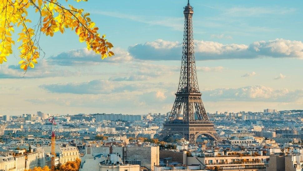 سفير الجزائر بباريس يرد على مغالطات مجلة