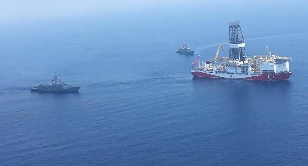 هل استغلت السفن التركية العملاقة الوضع في الصحراء الغربية لانتهاك مياهها الاقليمية؟