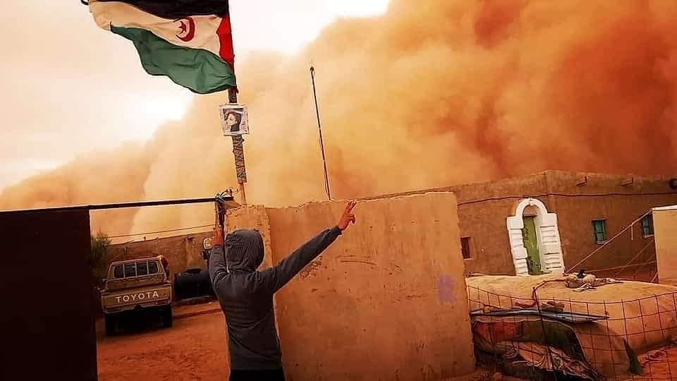 اجواء مضطربة بمخيمات اللاجئين الصحراويين .. صور