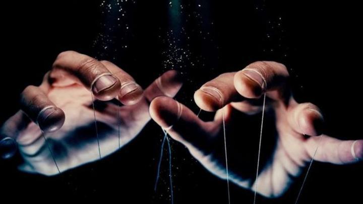 كيف تتحكم قوى لاشعورية في تصرفاتنا؟