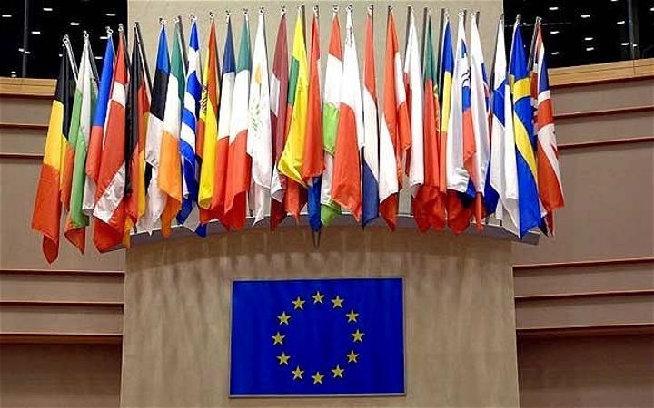 مشروع قرار اوروبي: ازمة سبتة نتيجة مباشرة لفشل حل النزاع في الصحراء الغربية، والاتحاد الأوروبي مطالب بالتمسك بالوضع الإقليمي المتميز والمنفصل للاقليم