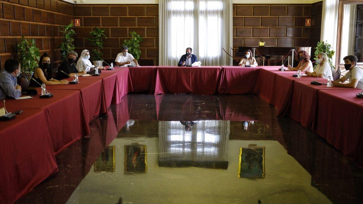 لجنة بلدية ثراغوثة حول الصحراء الغربية تلتئم بهدف حصر المعلومات المتعلقة بمخيمات اللاجئين الصحراويين
