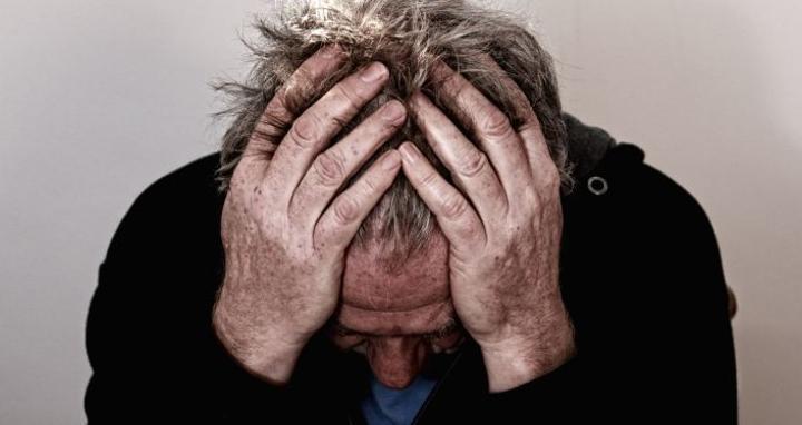عالمة أعصاب تعدد 6 تمارين يومية لبناء المرونة والقوة العقلية للتغلب على التوتر