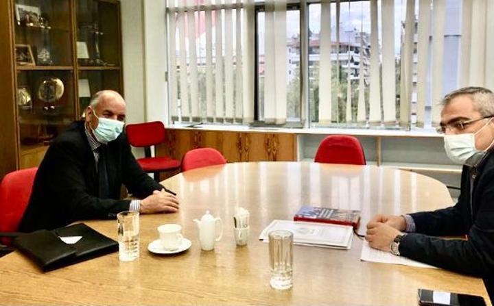 نائب ممثل جبهة البوليساريو بأوروبا يجري مباحثات مع قيادة الحزب الشيوعي اليوناني