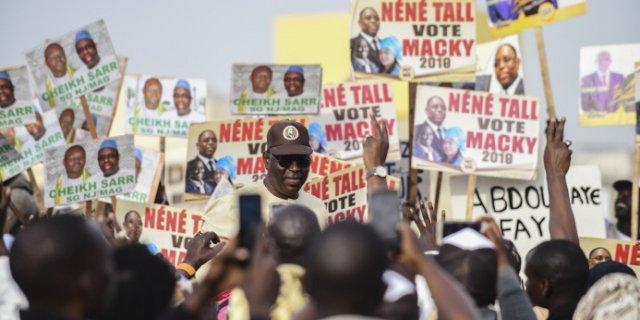 Sénégal : le parti de Macky Sall entre frustrations et divisions après le remaniement