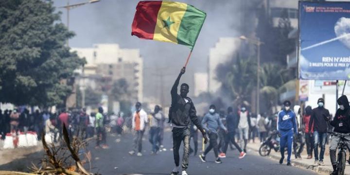Arrestation de Sonko : la colère tourne à l'émeute
