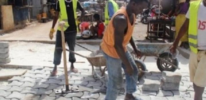 Métiers du pavage : 300 emplois jeunes prévus pour la première phase